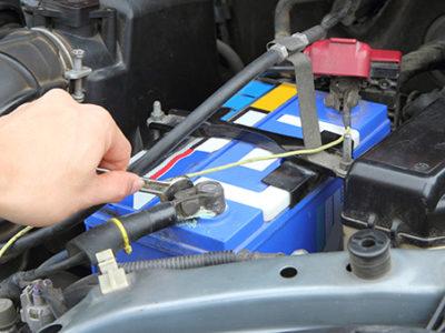 Dlugo-nie-uzywasz-samochodu-wyjmij-akumulator